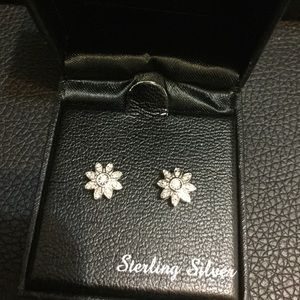 NWT 925 Sterling Silver Diamond Studs